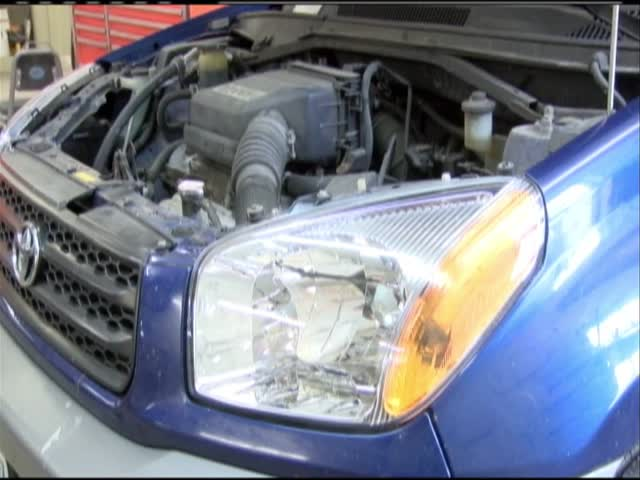 Car ranks -1 for bright headlights_87286481-159532