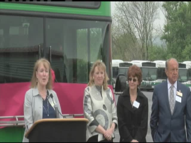 New electric buses arrive in Frederick County- Md-_20160505220602