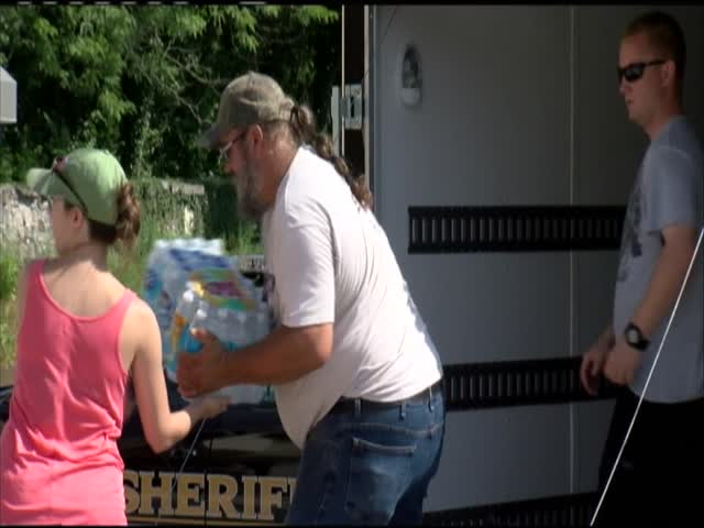 Flood donations at Berkeley Co- Sheriff-s Dept-_89767205-159532