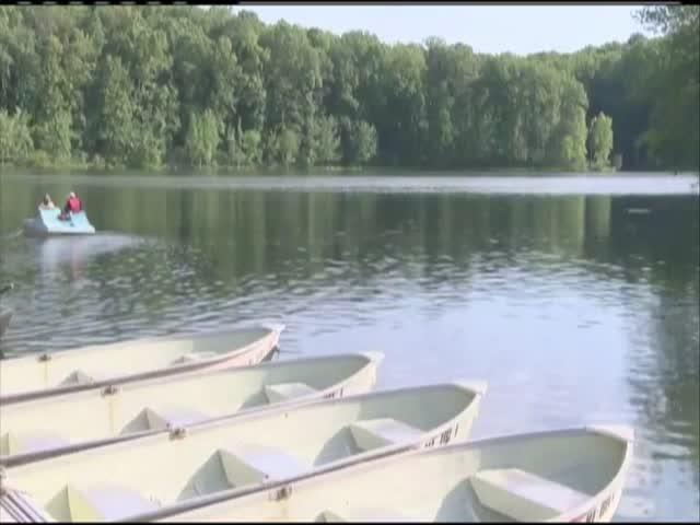Summer boating_23615521-159532