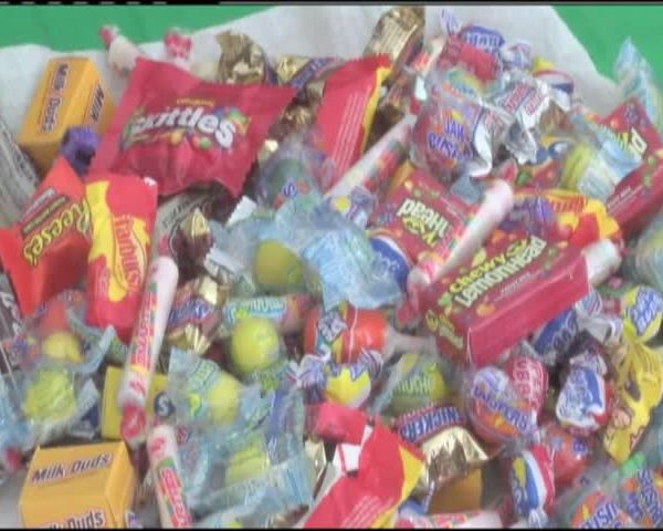 Trick or treating Embassy row_38634986-159532