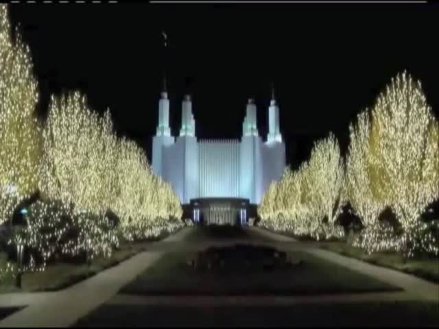 Mormon Church Temple holiday lights_09788786-159532