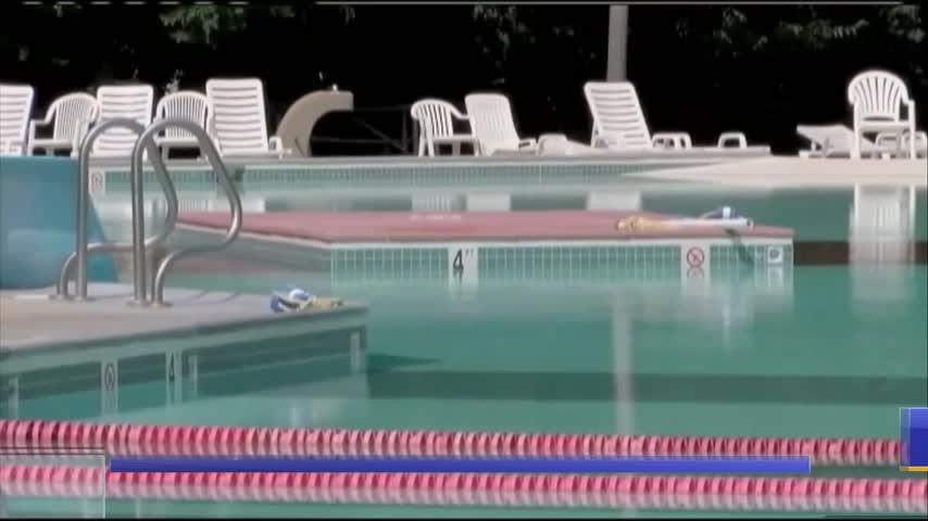 Hotel pools_57428157