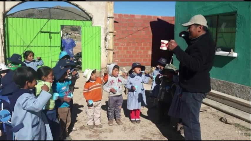 Dentist travels to Bolivia_62463749