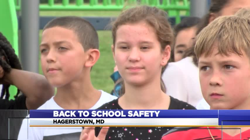 Back to school safety_76957408