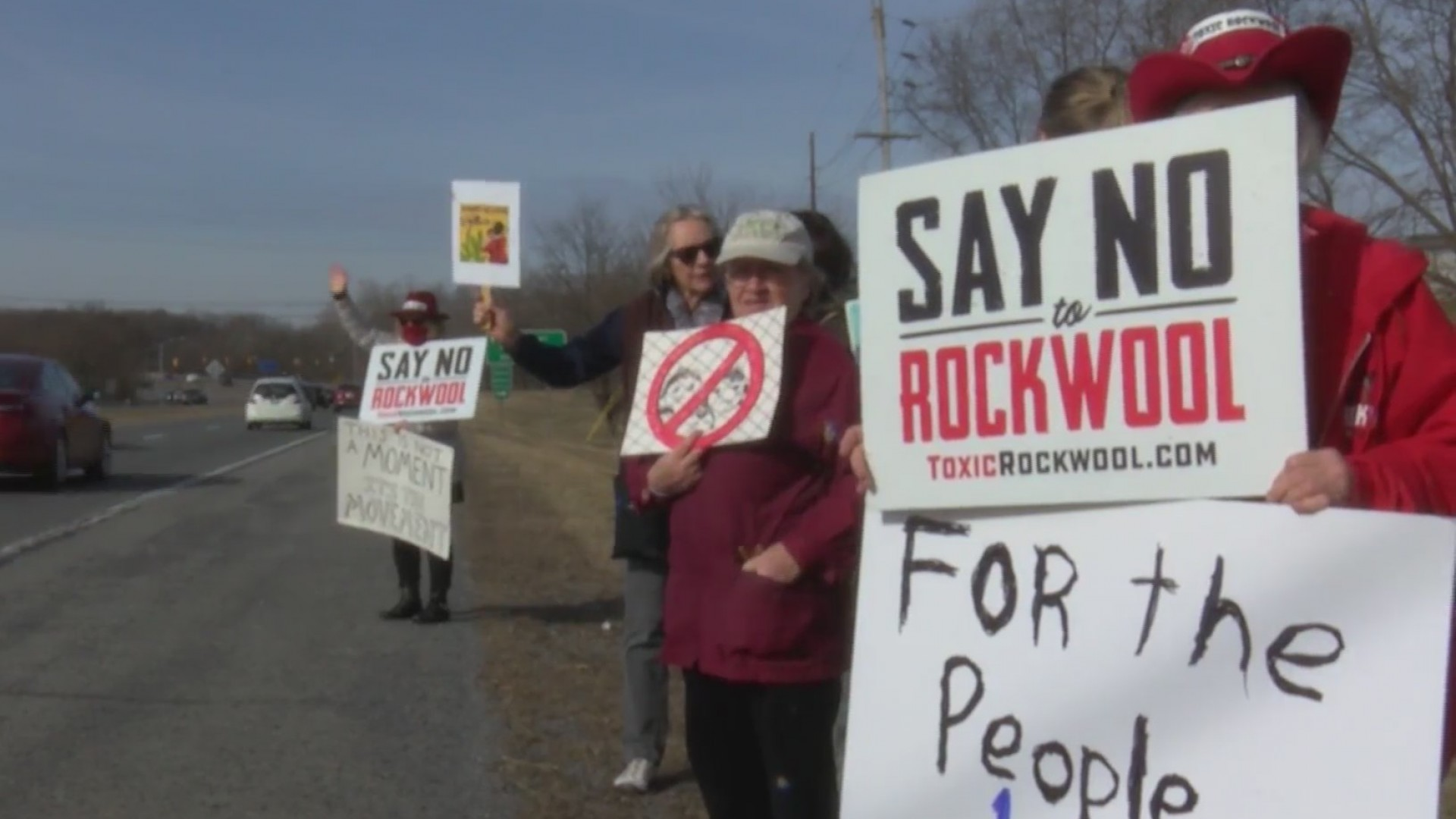 Protesters_at_Harpers_Ferry_0_20190313214921
