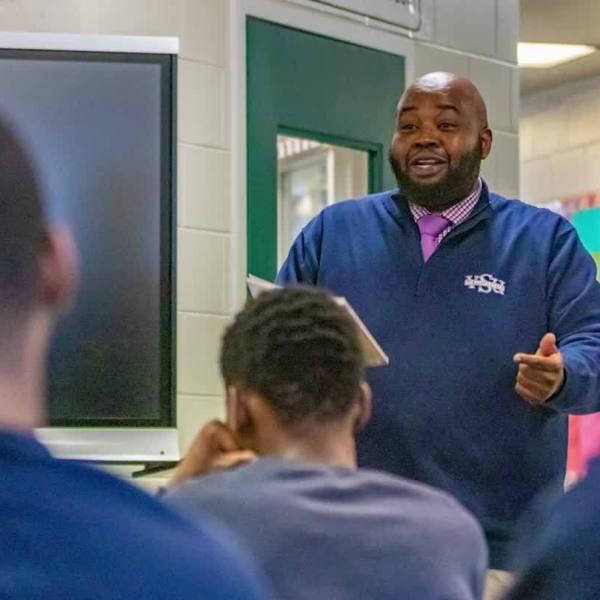 McEachin_honors_National_Teacher_of_the__0_20190503204206