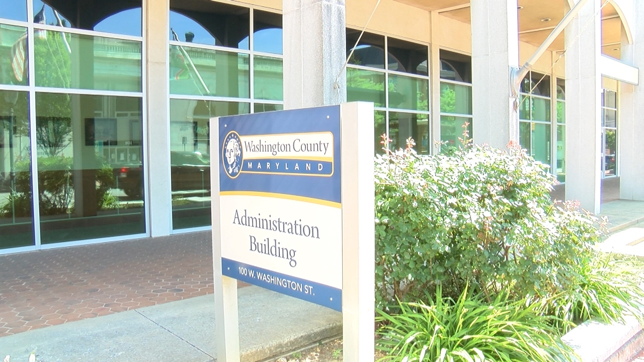Washington County Commissioners voted 3-1 to hire third